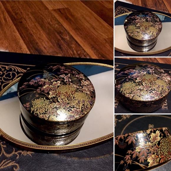 🦋2/$10 3/$15 4/$18 5/$20 Vintage Trinket Dish